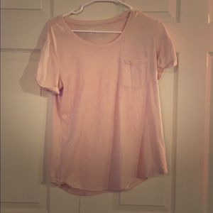 Pink t-shirt with front pocket